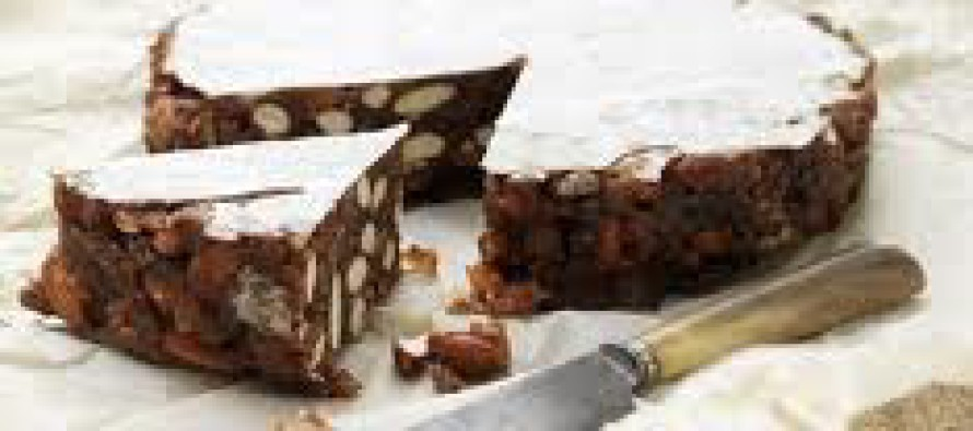 Toscaanse taart met honing en noten