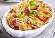 Romige kipragout met aardappel en tomaat uit de oven
