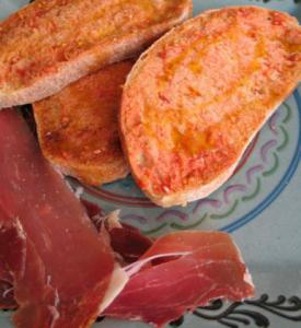pan-con-tomate-0421-551x600