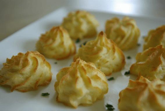 Toefjes aardappelpuree pommes duchesse lekker tafelen - Idee gezellige maaltijd ...