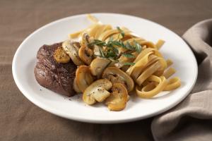Biefstuk met champignons en pasta