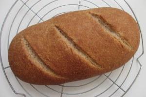 Eenvoudig 'Handmade' volkorenbrood