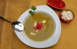 Courgettesoep met koriander en feta