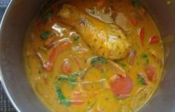 Eenvoudige curry vol verse groenten en kip