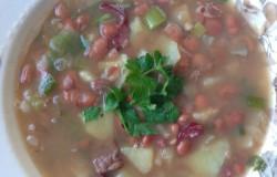 Bruine bonen soep; Goed gevulde maaltijdsoep