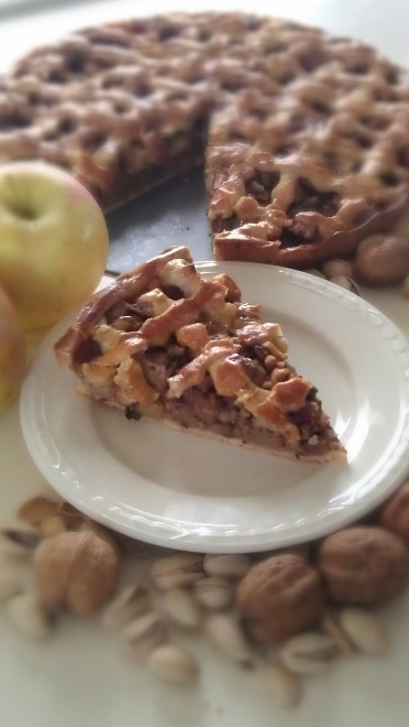 Appeltaart met noten en winterse kruiden