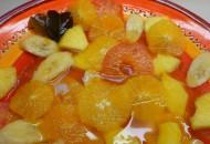 Fruitsalade in een frisse Aziatische siroop
