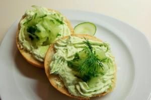 Komkommer kaasspread, simpel lekkers op brood