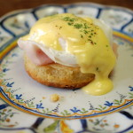 Eggs Benedict; Daar kom je graag je bed voor uit