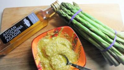 Pesto van groene asperges- arganolie