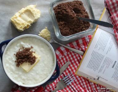 rijstebrij met boter en bruine suiker