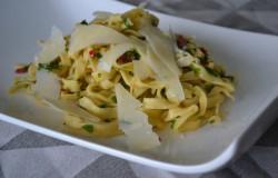 Tagliatelle aglio olio e peperoncino + pastamachine review