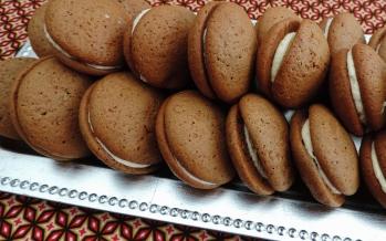 http://www.lekkertafelen.nl/recepten/whoopies-een-lekkernij-om-blij-van-te-worden/