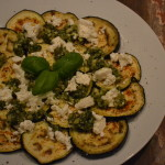 Olie spray + recept; gegrilde aubergine met feta en walnotenpesto