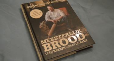"""""""Meesterlijk brood"""" van Robèrt van Beckhoven, een meesterlijk boek"""