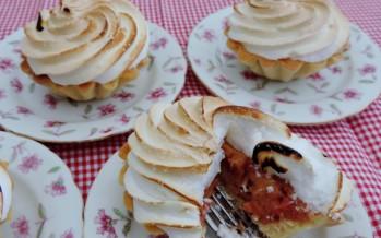 Merinque taartjes met rabarber
