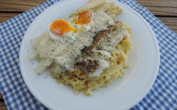 Asperges, pasta en kabeljauw met een heerlijke dillesaus