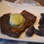 Ribeye met gorgonzola-tijm boter en truffelaardappeltjes