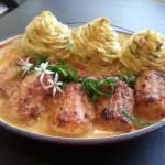Hondshaai , peterseliepuree torentjes en sausje met grove mosterd