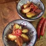 Patatas bravas, pikante aardappelen met knoflookmayonaise