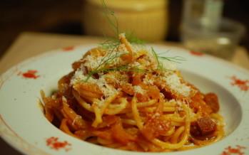 http://www.lekkertafelen.nl/recepten/pasta-met-venkel-en-salami/